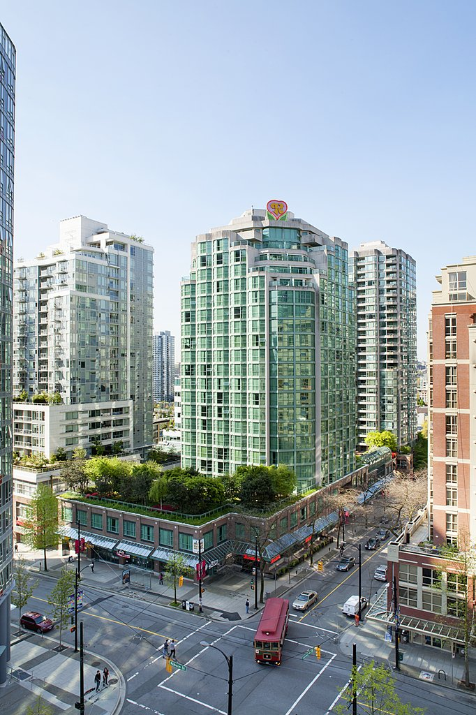 Rosedale On Robson Suite Hotel - Hotel Tower <br/>Image from Leonardo