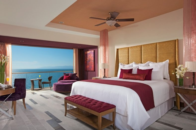Secrets Vallarta Bay - Guest Room <br/>Image from Leonardo