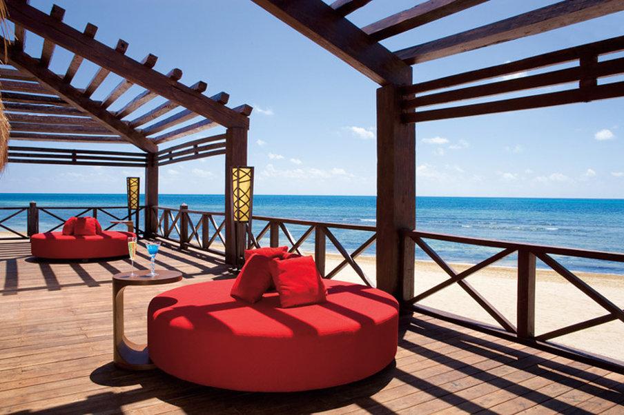 Secrets Silversands Riviera Cancun - Barracuda Bar <br/>Image from Leonardo