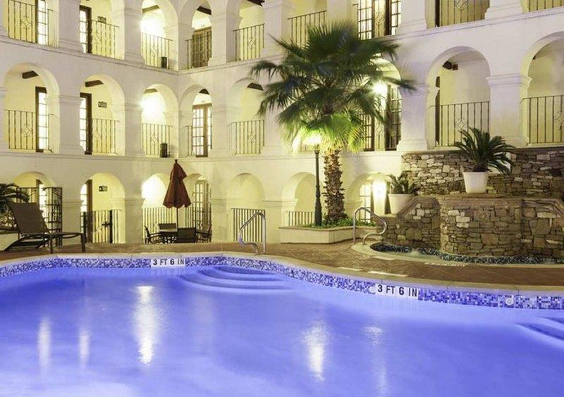DoubleTree by Hilton Austin-Pool<br/>Image from Leonardo