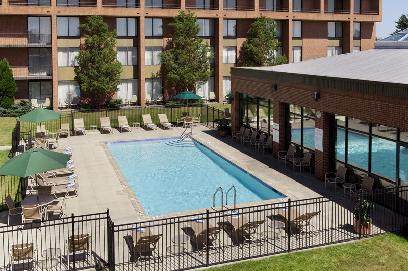 DoubleTree by Hilton Syracuse-Outdoor Pool<br/>Image from Leonardo