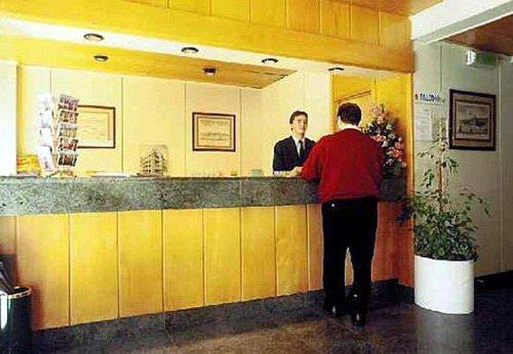 Hotel Mundial - Interior <br/>Image from Leonardo