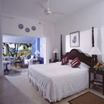 Jamaica Inn Hotel-Deluxe Verandah Suite<br/>Image from Leonardo