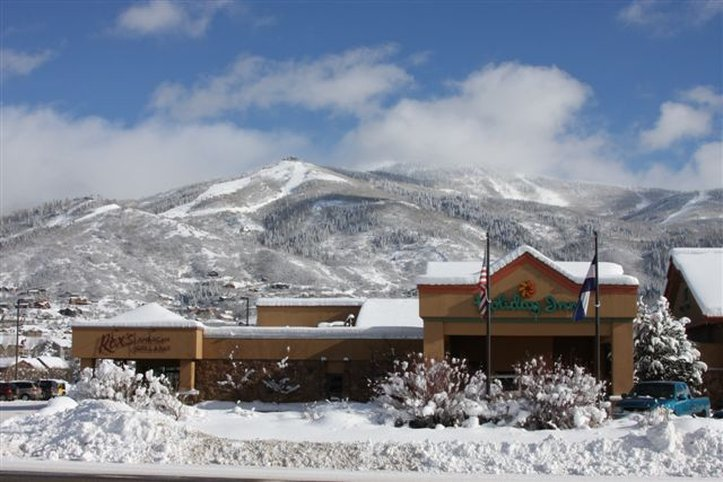 Holiday Inn Steamboat Springs-Located below the Steamboat Springs ski mountains<br/>Image from Leonardo