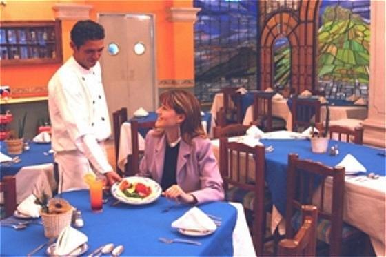 Hampton Inn by Hilton Zacatecas-Restaurant<br/>Image from Leonardo
