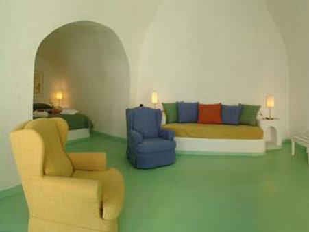 Cliffside Suites-Guest Room<br/>Image from Leonardo