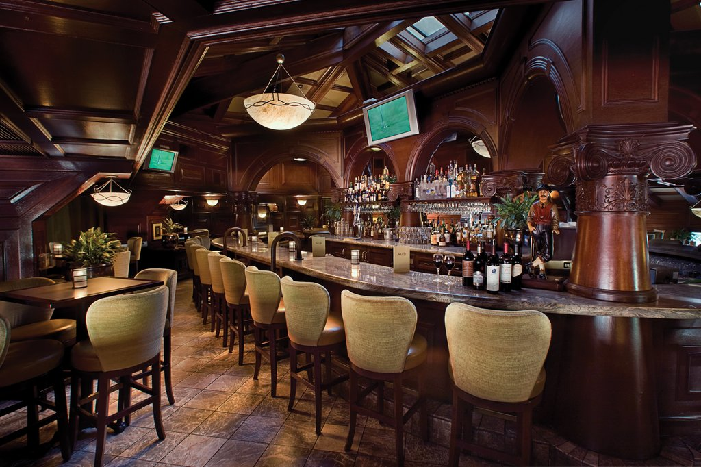 Pointe Hilton Tapatio Cliffs - Pointe in Tyme Lounge <br/>Image from Leonardo