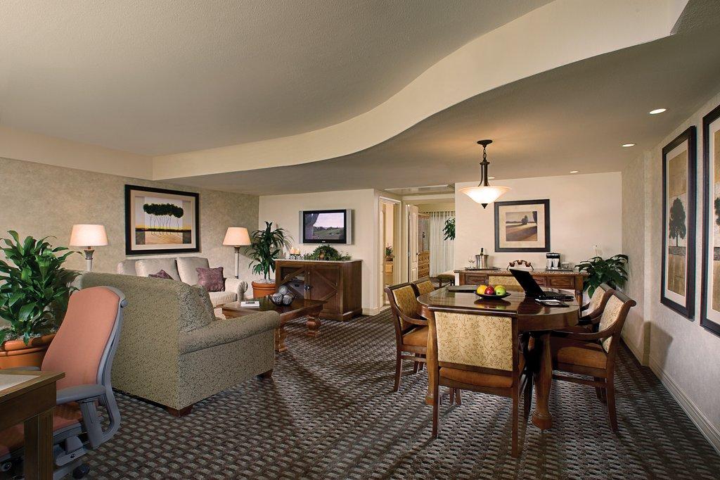Pointe Hilton Tapatio Cliffs - Ambassador Suite <br/>Image from Leonardo