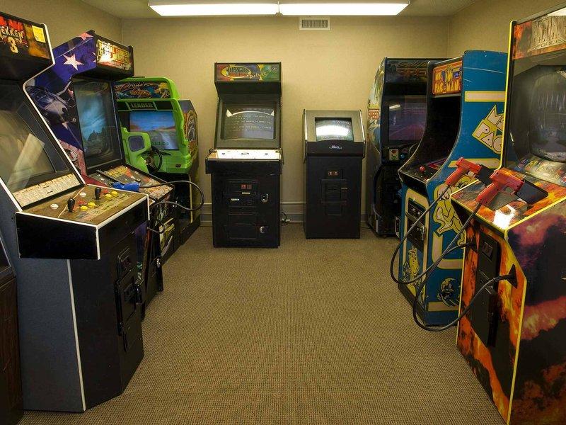 Holiday Inn Buffalo International Airport-Game Room<br/>Image from Leonardo