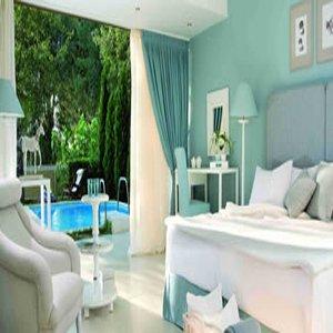 Sani Club-Junior Suite Private Pool Big<br/>Image from Leonardo