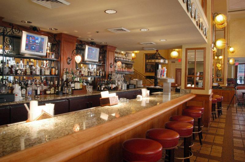 Astor Crowne Plaza French Quarter - Dickie Brennan-s Bourbon House <br/>Image from Leonardo