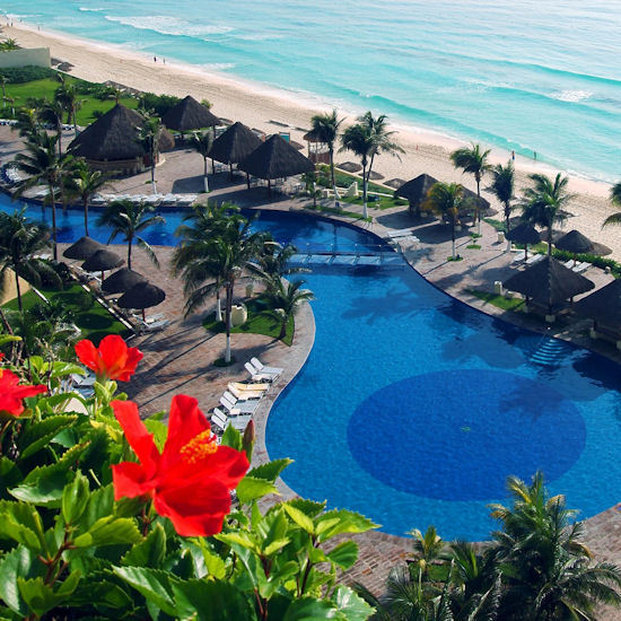 Royal Service @ Paradisus Cancun - Ocean Pool <br/>Image from Leonardo