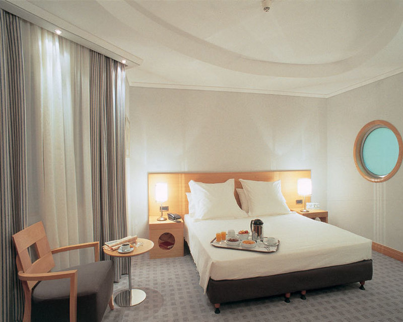Athenian Callirhoe Hotel-Guest Room<br/>Image from Leonardo