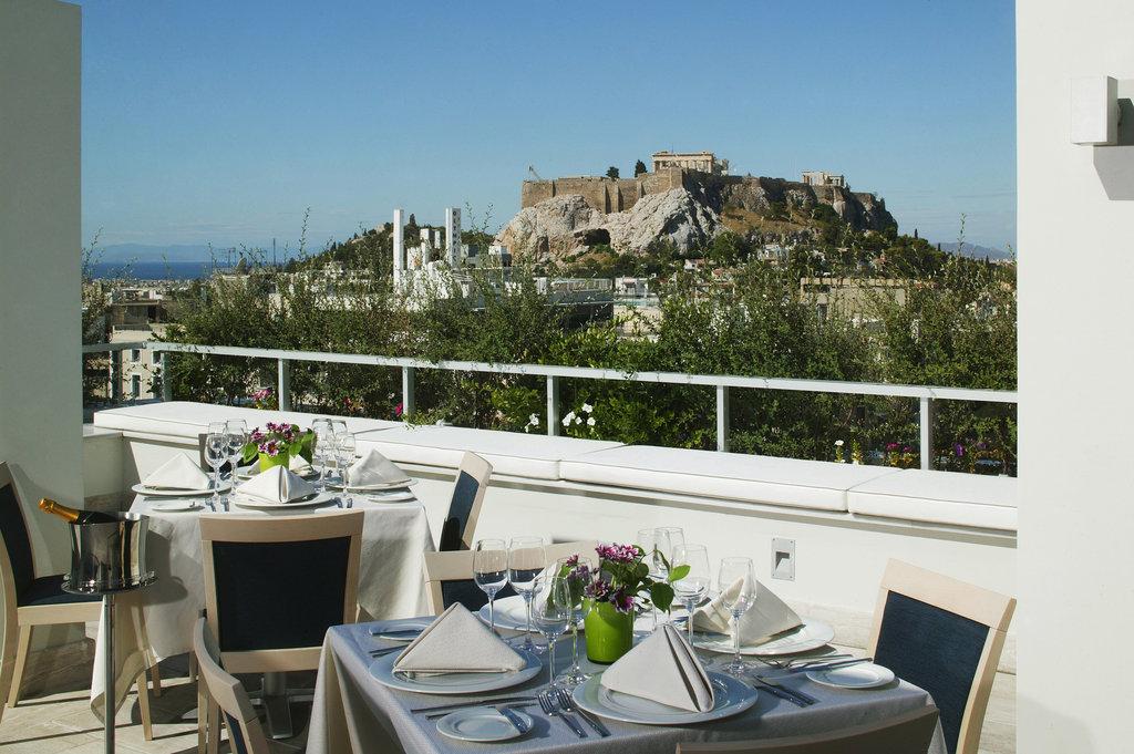 Amalia Hotel-Roof Garden<br/>Image from Leonardo