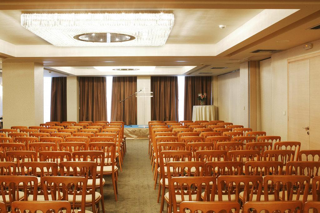 Amalia Hotel-Meeting Room<br/>Image from Leonardo