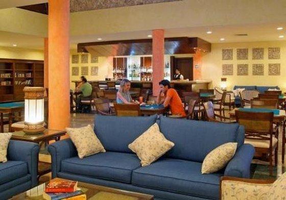 Grand Palladium Kantenah - Bar <br/>Image from Leonardo