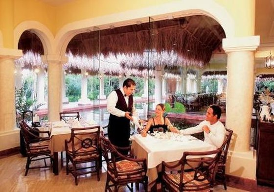 Grand Palladium Kantenah - Restaurant <br/>Image from Leonardo