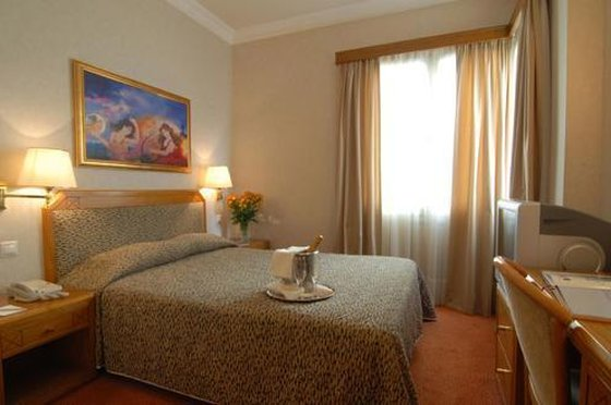 Electra Hotel - Guest Room <br/>Image from Leonardo