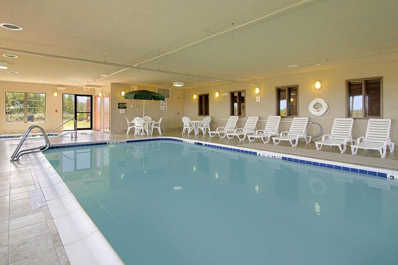 Holiday Inn Express Syracuse-Fairgrounds-Pool<br/>Image from Leonardo