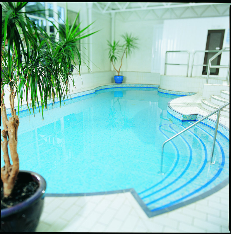 Jurys Inn Oxford-Indoor splash pool<br/>Image from Leonardo