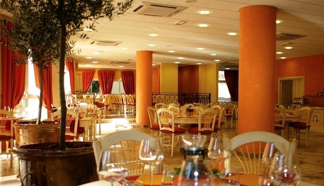 Novotel Antibes Sophia Antipolis-Restaurant<br/>Image from Leonardo