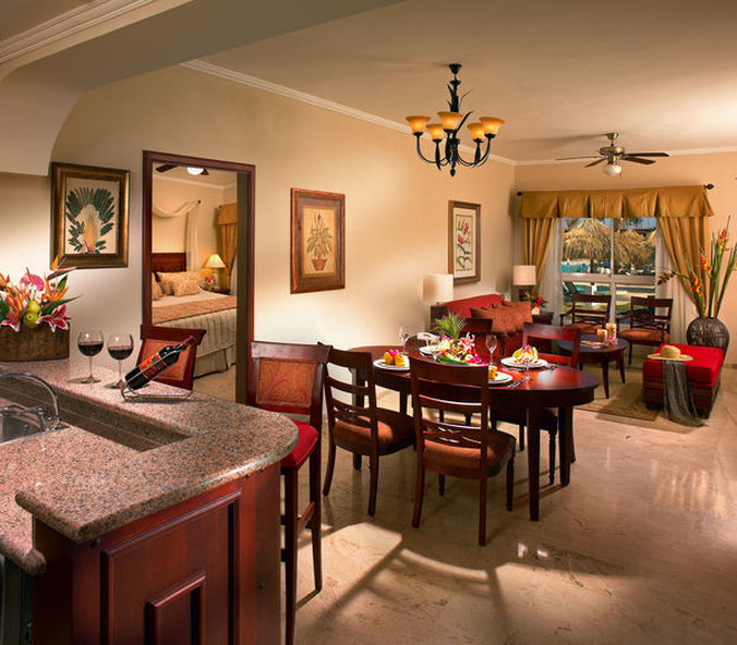 Paradisus Palma Real - Master Suite Room <br/>Image from Leonardo