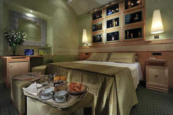 Hotel Britannia - Guest Room <br/>Image from Leonardo