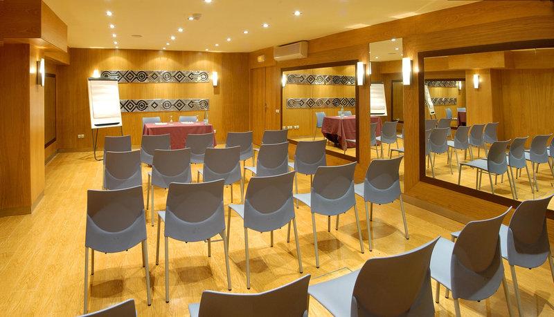 Evenia Rocafort-Meeting Room<br/>Image from Leonardo