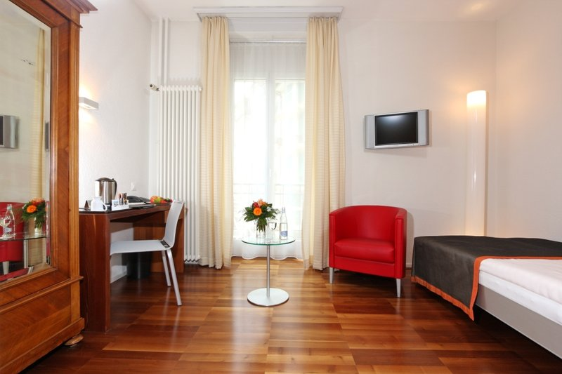 Waldstaetterhof Hotel-Superior single room<br/>Image from Leonardo