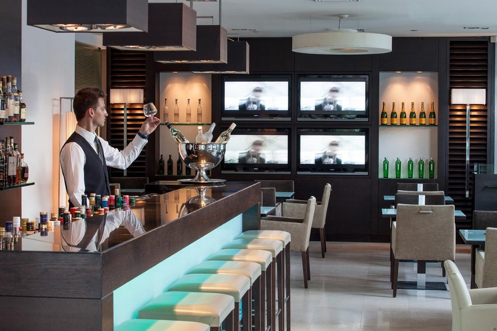 Galaxy Hotel-GALAXY HOTEL IRAKLIO - PER SE LOUNGE BAR<br/>Image from Leonardo