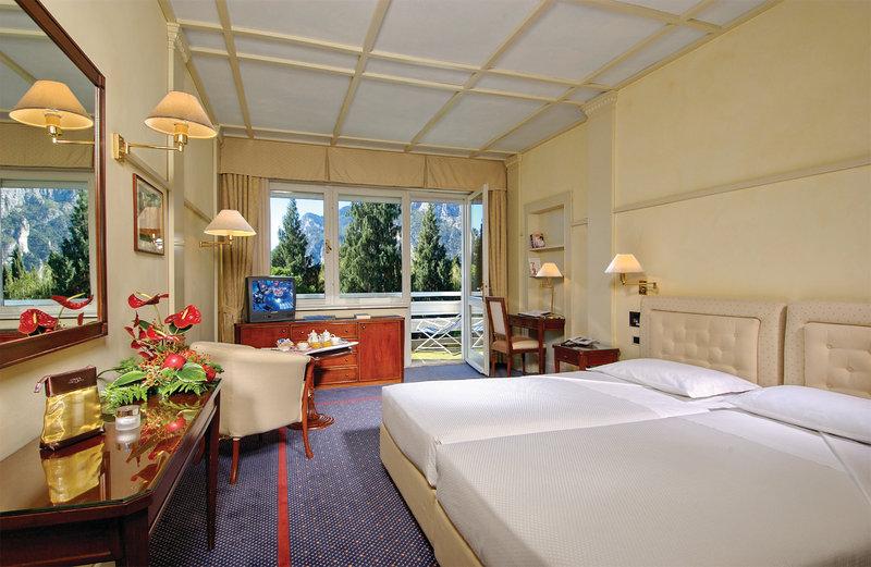 Hotel Du Lac et Du Parc-Double Superior Room<br/>Image from Leonardo