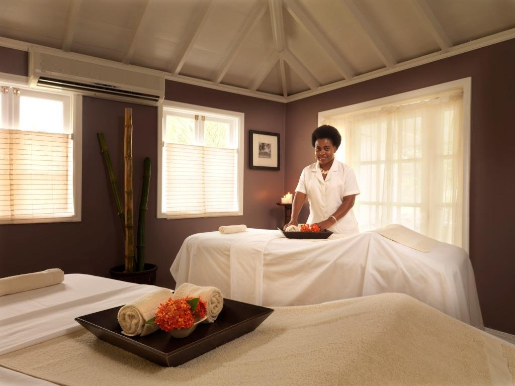 Nisbet Plantation-The Palms Spa with Staff<br/>Image from Leonardo
