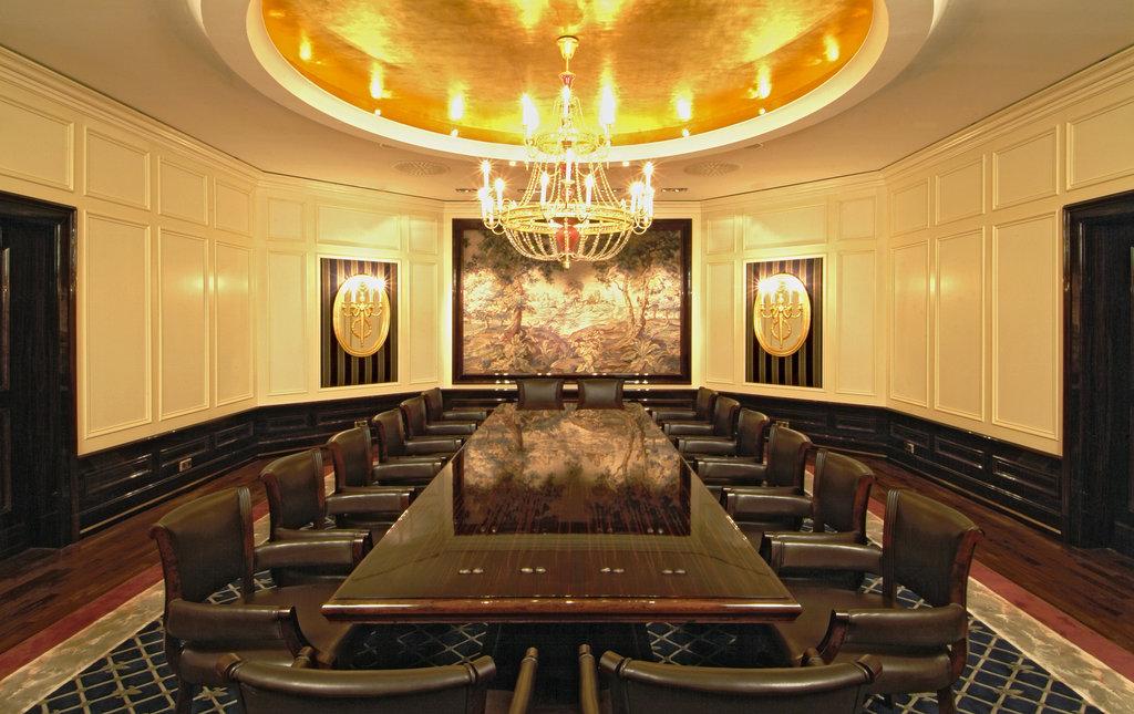 Hotel Palace Berlin - Gobelin meeting room <br/>Image from Leonardo