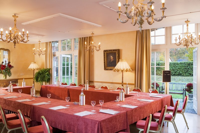 Chateau D'Artigny-Meeting Room Emeraude<br/>Image from Leonardo