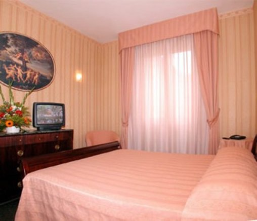 La Pace-Double Room<br/>Image from Leonardo