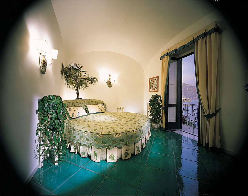 Santa Caterina Hotel-Honeymoon Suite Follia Amalfitana<br/>Image from Leonardo