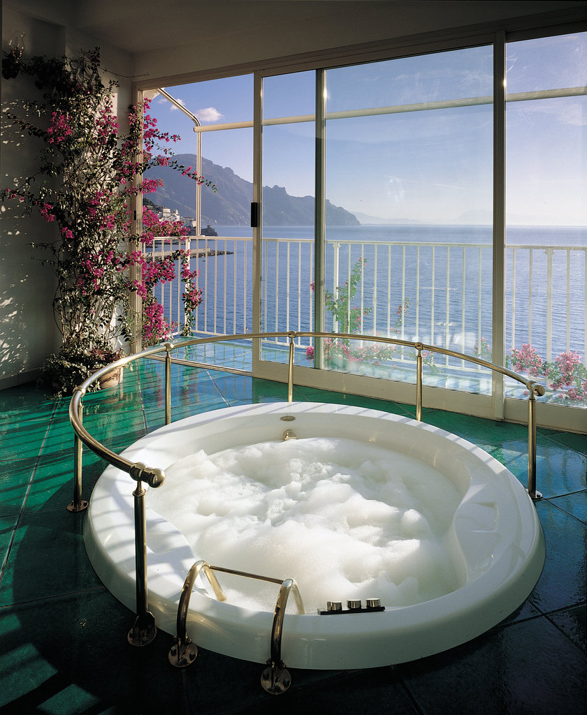 Santa Caterina Hotel-Honeymoon Suite Follia Jacuzzi<br/>Image from Leonardo