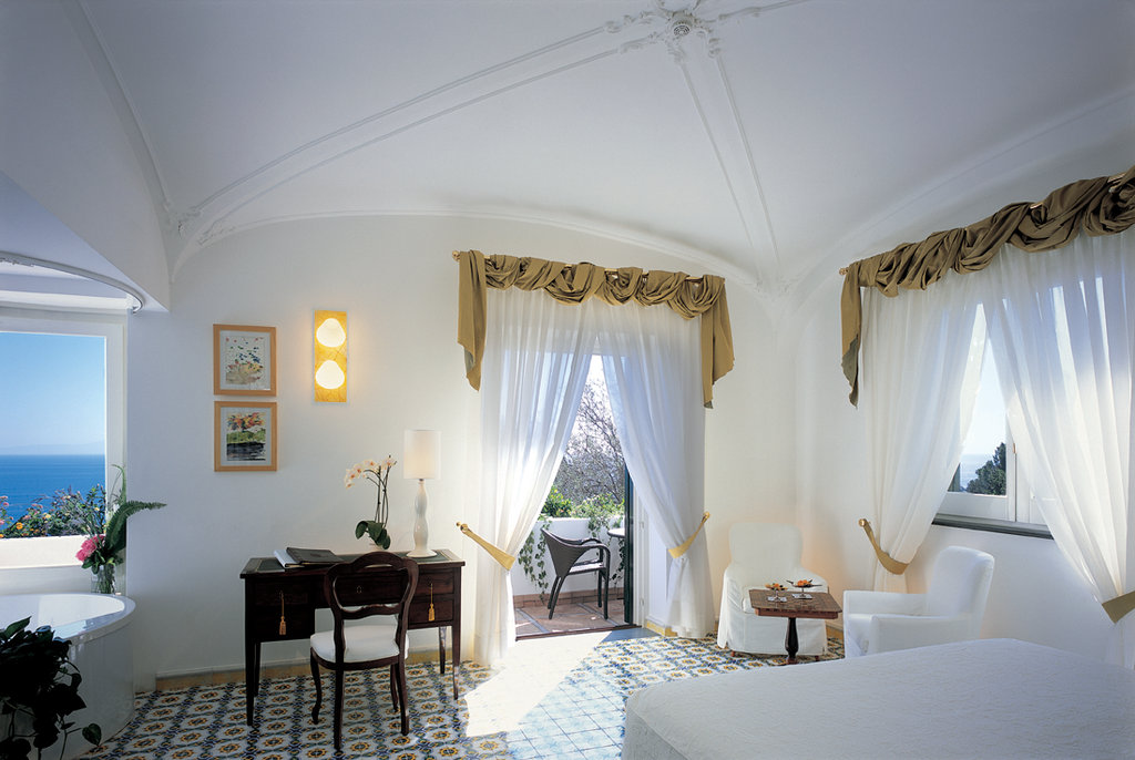 Santa Caterina Hotel-Deluxe Double Room<br/>Image from Leonardo