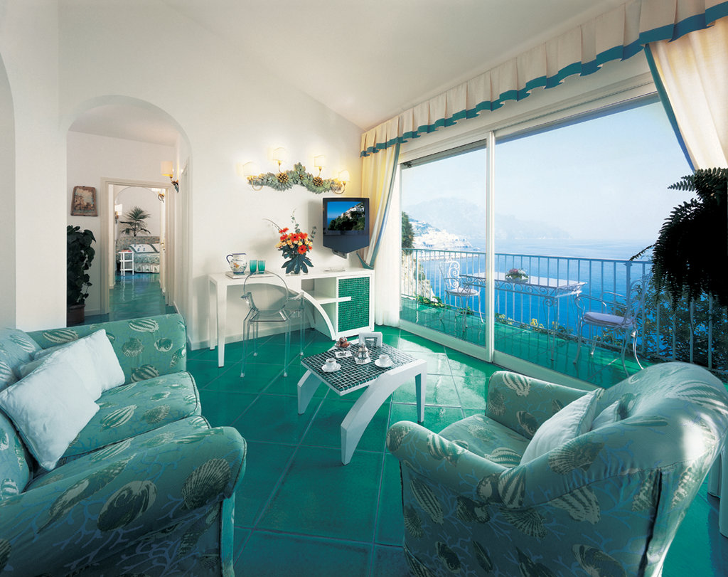 Santa Caterina Hotel-Honeymoon Suite Follia<br/>Image from Leonardo