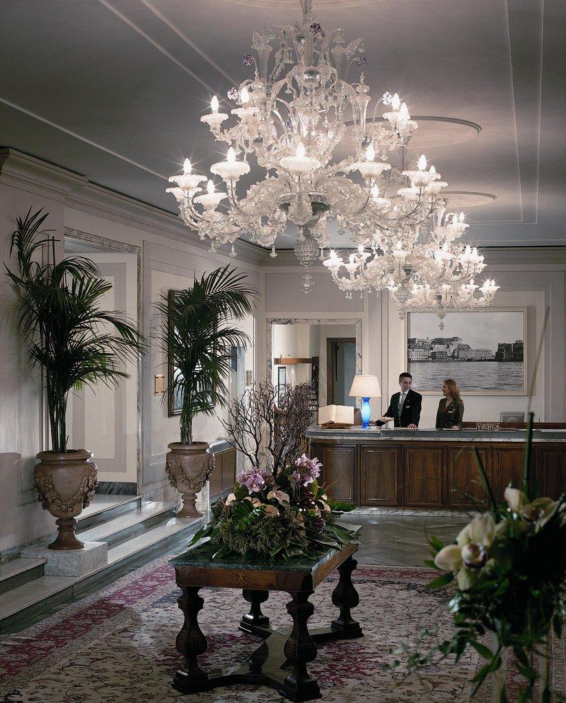 Grand Hotel Vesuvio-Reception desk<br/>Image from Leonardo