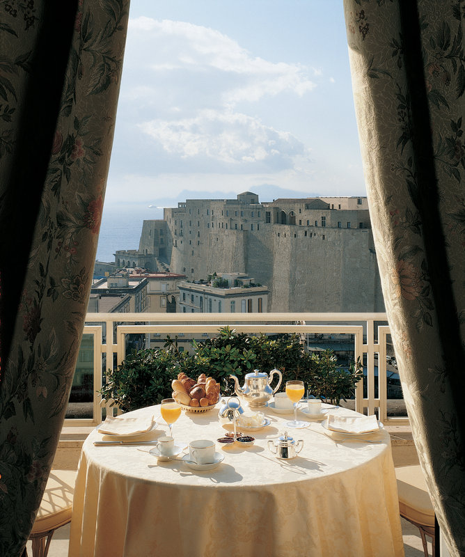 Grand Hotel Vesuvio Naples-Sea-view room with terrace<br/>Image from Leonardo