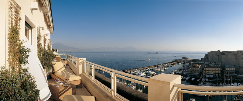 Grand Hotel Vesuvio Naples-Caracciolo Top Class Suite<br/>Image from Leonardo