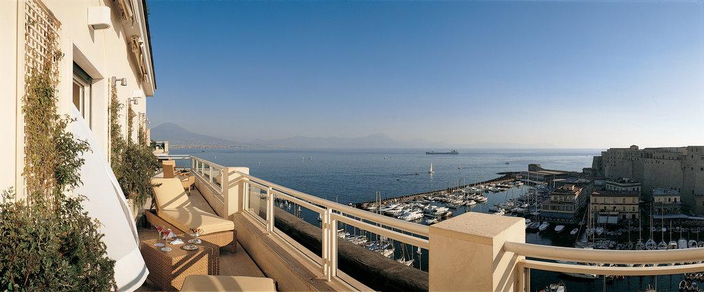 Grand Hotel Vesuvio-Caracciolo Top Class Suite<br/>Image from Leonardo