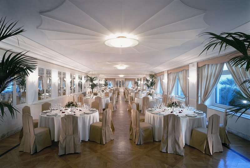 Grand Hotel Vesuvio Naples-Puccini Room<br/>Image from Leonardo
