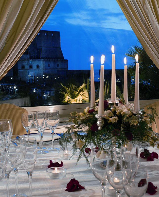 Grand Hotel Vesuvio Naples-Gala dinner<br/>Image from Leonardo