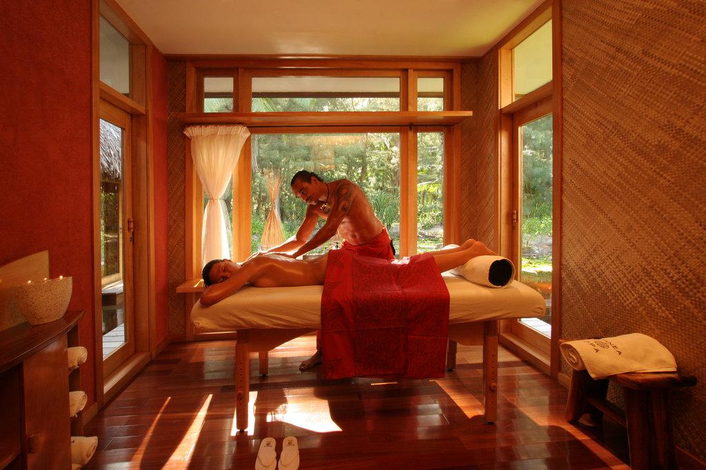 Bora Bora Pearl Beach Resort-Massage in Manea Spa<br/>Image from Leonardo