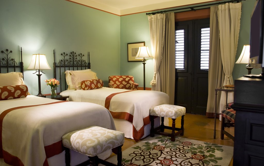 Hotel El Convento - Twin Superior Guest Room <br/>Image from Leonardo