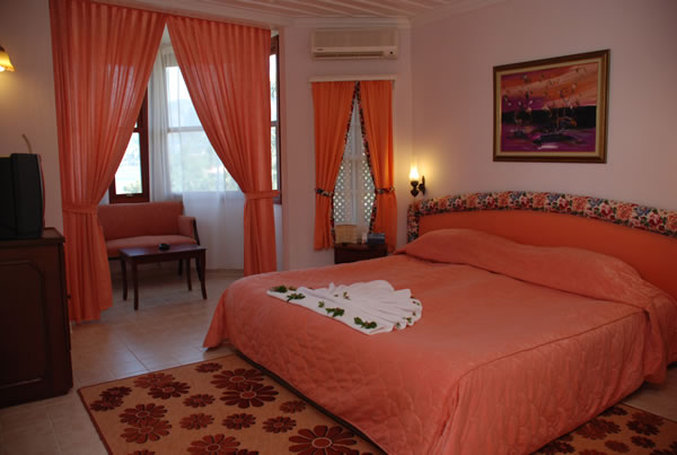 Club & Hotel Letoonia-Guest Room<br/>Image from Leonardo