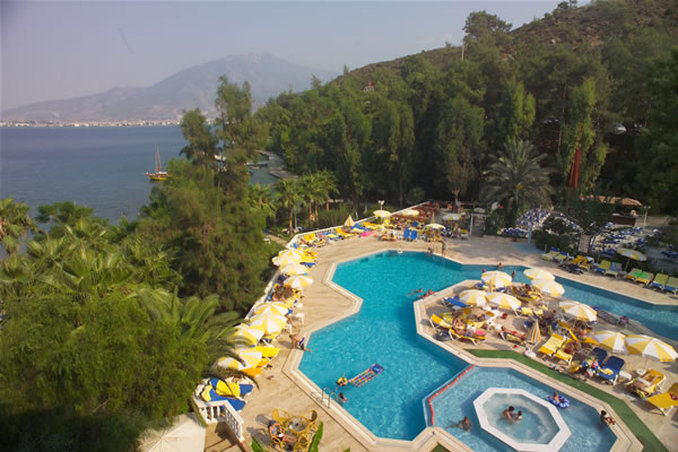 Club & Hotel Letoonia-Pool view<br/>Image from Leonardo