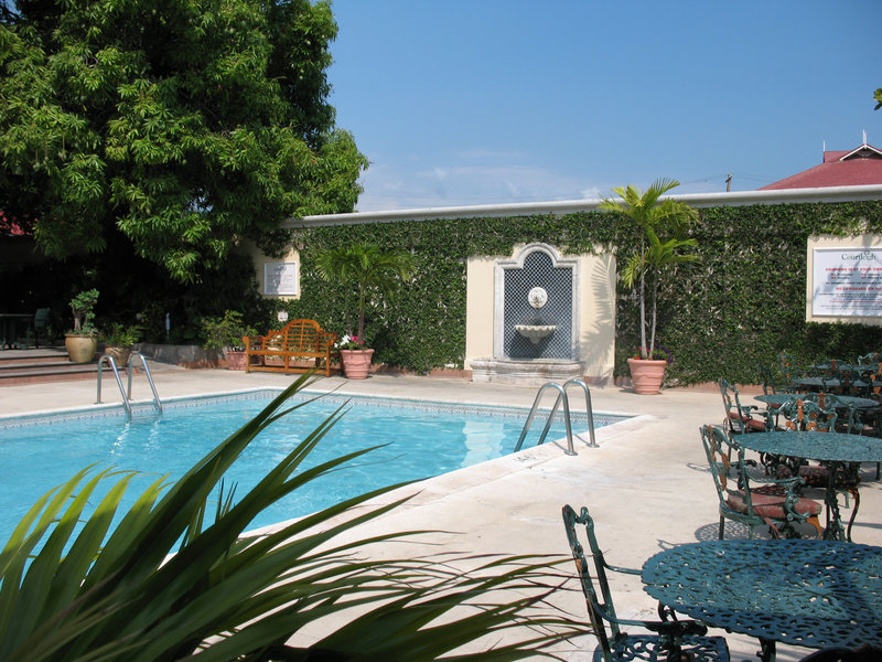 The Courtleigh-Our Pool<br/>Image from Leonardo